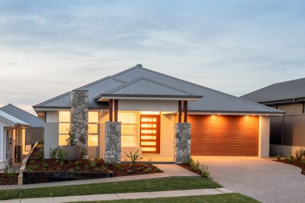 Avalon 220 display home in Huntlee